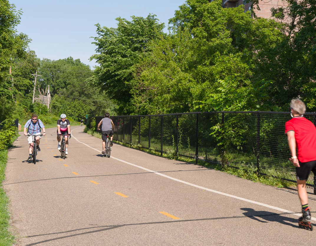 Calhoun Beach Club Apartments, Minneapolis, MN - Bike Path