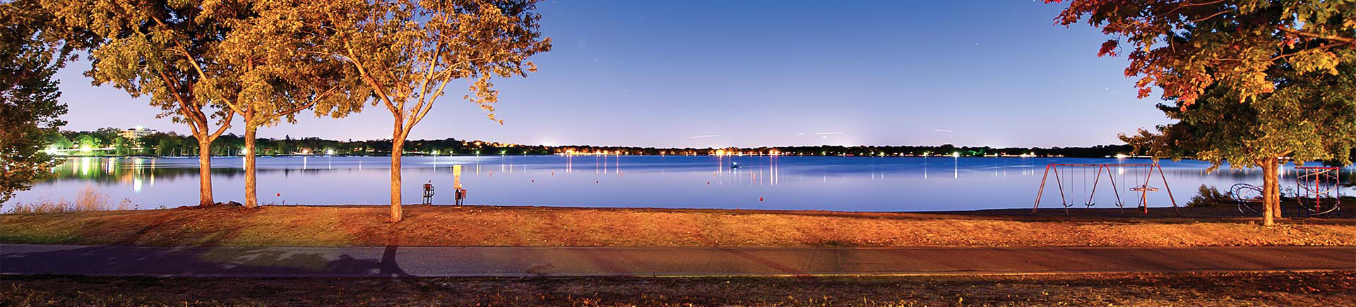 Calhoun Beach Club Apartments in Minneapolis, MN - Lake Calhoun